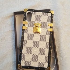 LV Trunk Cases for all iPhones